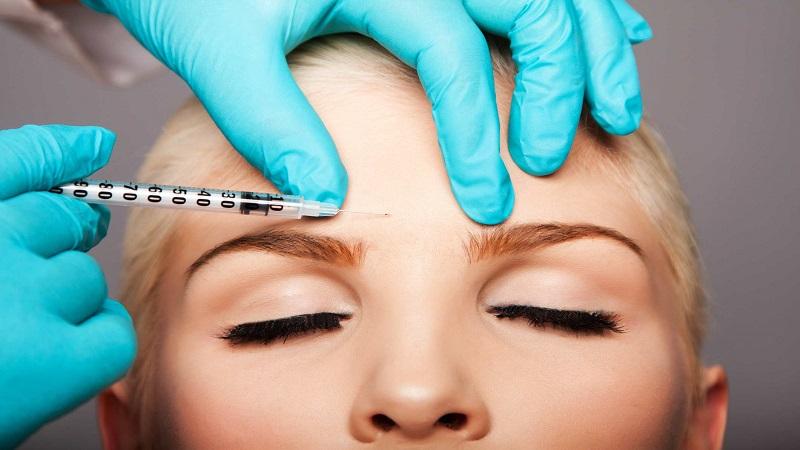 تزریق ژل و تزریق بوتاکس برای از بین بردن خط اخم
